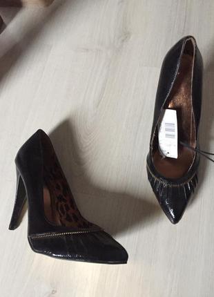 Туфли лодочки лаковые 38 размер новые