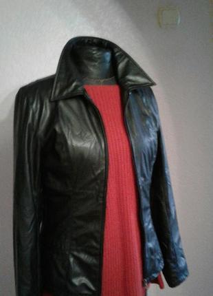 Суперовая кожаная куртка деми