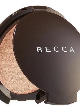 Хайлайтер becca shimmering skin perfector в оттенке champagne pop 2.4 g