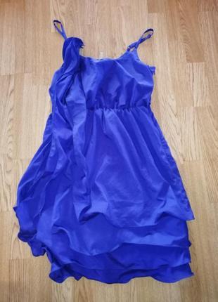 Платье с рюшами короткое нарядное вечернее