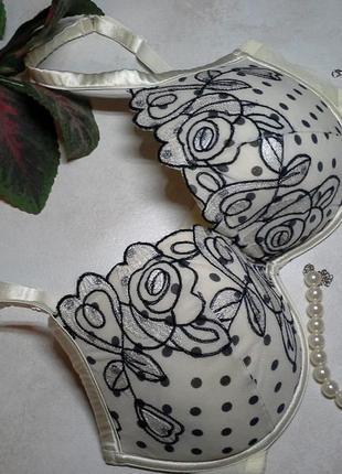 Шикарный lingerie 80-85dd
