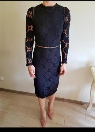 Кружевное миди платье нарядное с ажурными рукавами вечернее