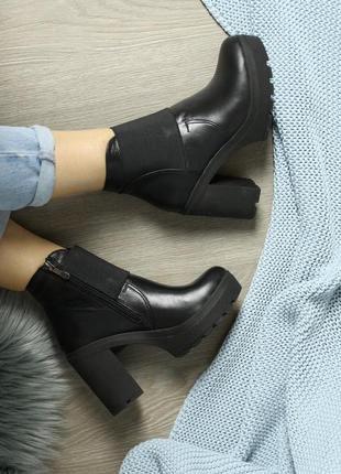 Скидка! кожаные женские черные весенние ботинки на устойчивом каблуке натуральная кожа
