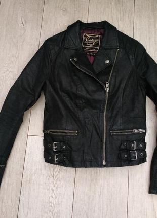Кожаная куртка рр 10 (38)