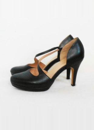 Кожаные классические закрытые босоножки сандалии 🌿
