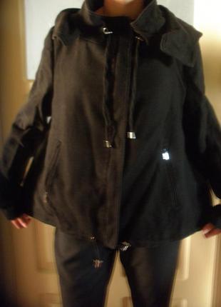 Короткая курточка zara с капюшоном