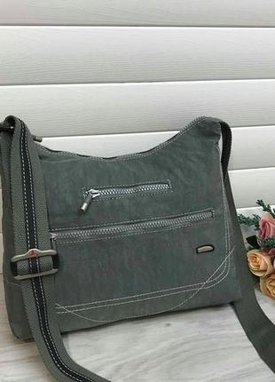 Актуальная нейлоновая брендовая сумка англия