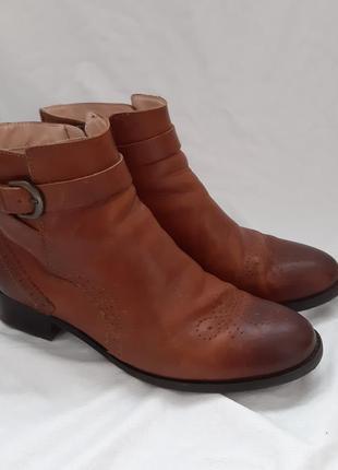 Кожаные ботинки. шкіряні черевики