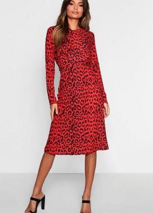 Стильное красное леопардовое платье миди