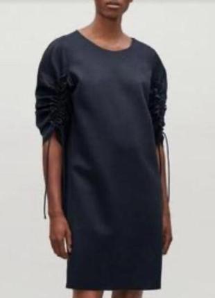 Оригинальное стильное платье с рукавами на завязках от cos