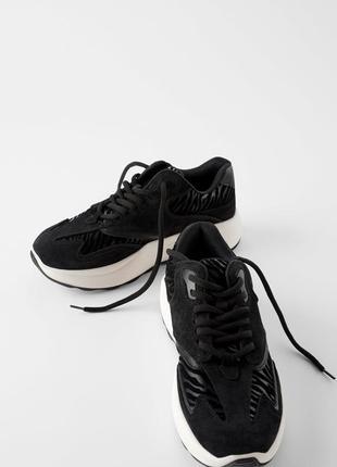 Шкірянні кросівки zara 36,40
