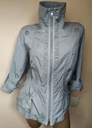 Оригинальная легкая куртка-ветровка