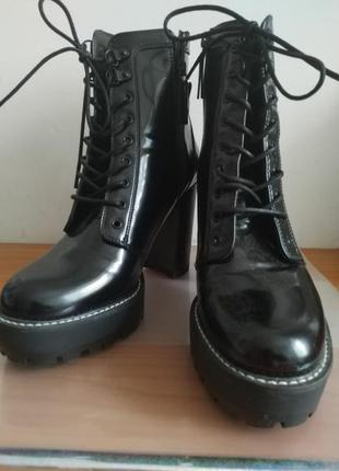 Ботинки bershka