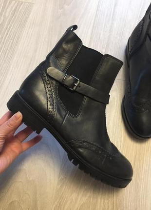 Кожаные сапоги ботинки челси clark's