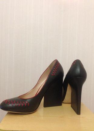 Дизайнерские туфли люксового бренда1