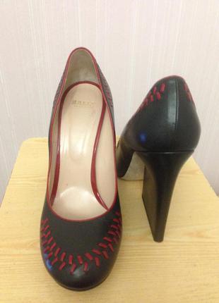 Дизайнерские туфли люксового бренда2