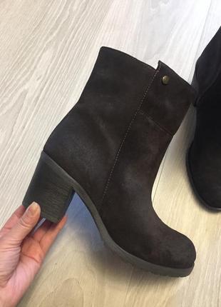Испанские кожаные сапоги ботинки zara