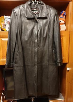 Демисезонный кожаный плащь размер 52-54