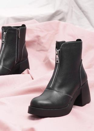 Кожаные женские стильные демисезонные весенние ботинки на толстом каблуке натуральная кожа