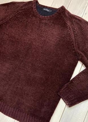 Бордовий светр