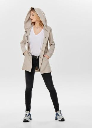 Пальто only в размере xs