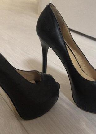Кожаные туфли на золушку