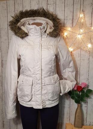 Курточка непродуваемая белая куртка с капюшоном с искусственным мехом clockhouse р. xs - s