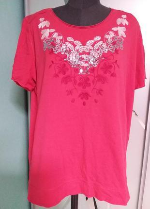 Красная футболка с декором большого  20-22 размера