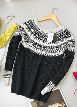 Красивейший свитер с бисером и пайетками next