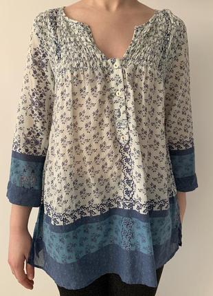 Блузка легка, літня, блуза с принтом, біла з голубим блуза, легка.