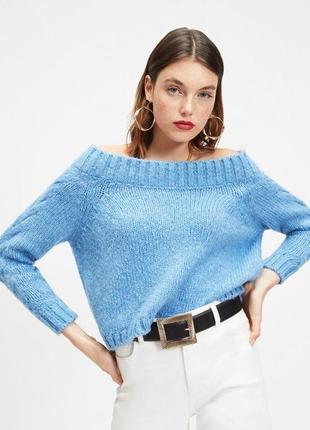 Нежный мягкий свитер с открытыми плечами miss selfridge