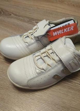 Кожаные кроссовки walker