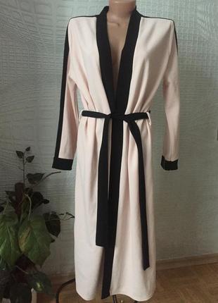 Очаровательный халат от boohoo пудрового цвета