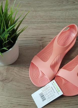 Босоніжки crocs serena sandal