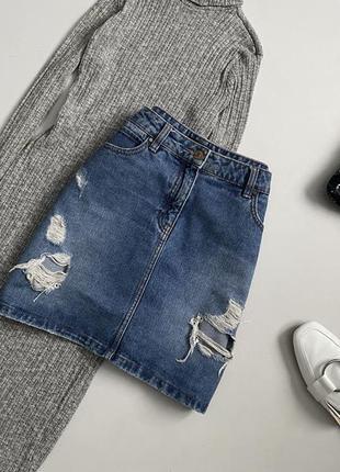 Крутая джинсовая юбка с рваностями denim