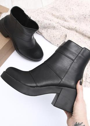 Кожаные женские черные демисезонные ботинки на массивном каблуке натуральная кожа