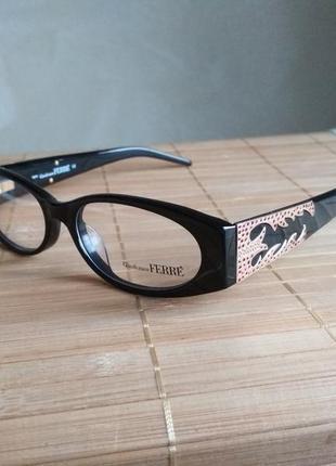 Стильная черная оправа под линзы,очки оригинал g.ferre gf361 04