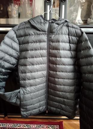 Продам легкую демисезонную мужскую куртку c&a