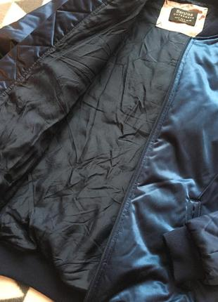 Тёплый бомбер куртка bershka2