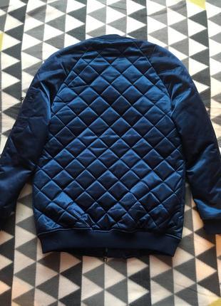 Тёплый бомбер куртка bershka3