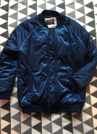 Тёплый бомбер куртка bershka4