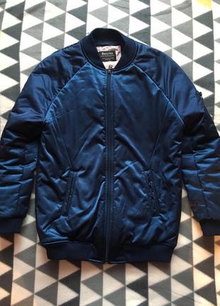 Тёплый бомбер куртка bershka5