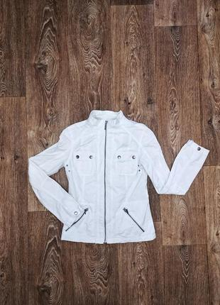 Стильная куртка пиджак белого цвета из натурального материала