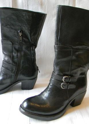 Ducanero -женские кожаные сапоги   р.38  ст.25,0-25,3см италия
