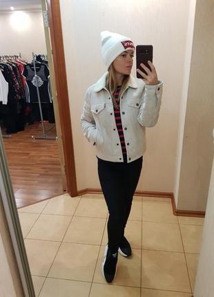 Куртка levi's. новая