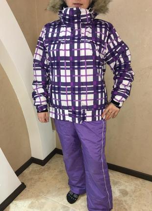 Яркий фірмовий костюм лижний/ горнолыжный костюм / лыжный костюм
