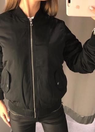 Утеплённая куртка бомбер amisu есть размеры