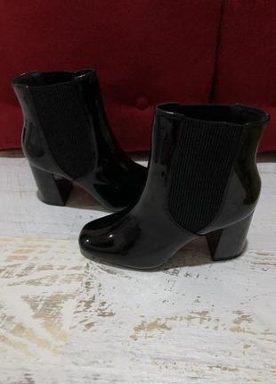 Новые лаковые ботинки челси 38р.