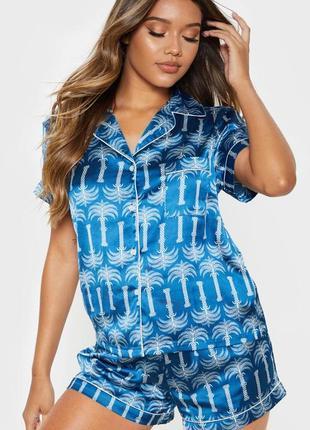Prettylitlething.товар из англии. атласная голубая пижамка с принтом пальм.