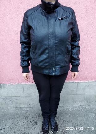 Бомбезная курточка кож зам большого размера!
